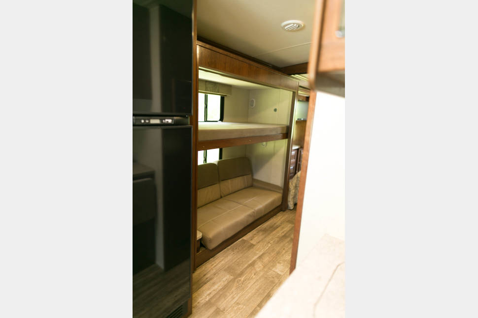 2018 FR3 By Forest River - Veteran Owned 2018 Bunkhouse Sleeps 8 Dish TV Call or text 904-252-8596