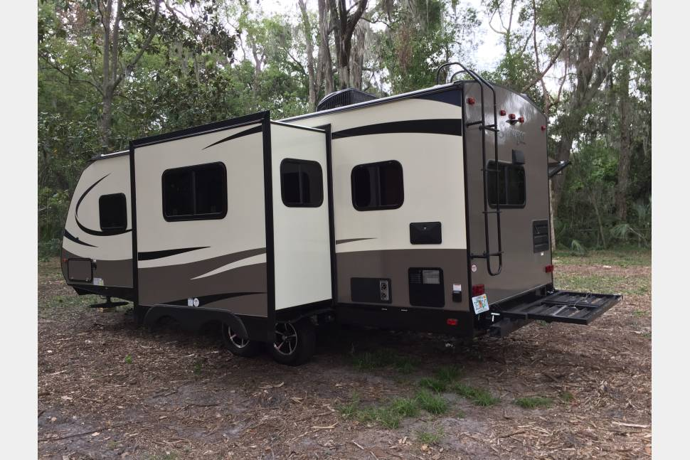 2017 Surveyor By Forest River 251RKS - 2017 Surveyor, Luxuries And Roomy