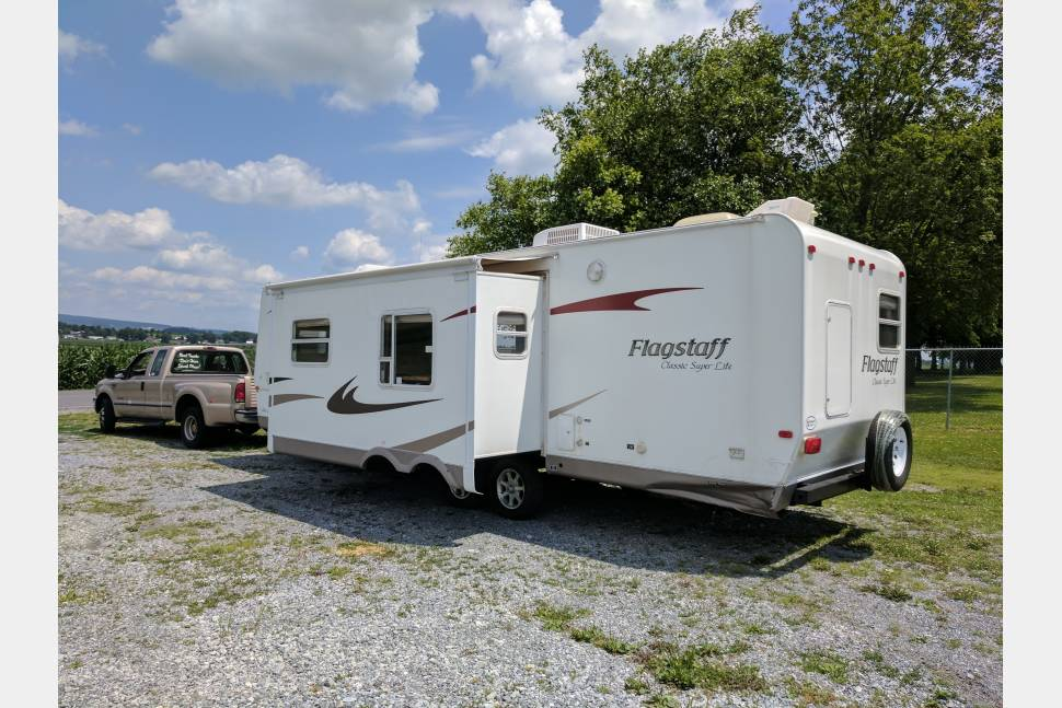 2009 Forester Flagstaff Classic Super Lite Delivery To Your Campsite Option Available - 2009 Flagstaff Classic Large and roomy! Great deals available! We offer delivery and set-up as well! More days equals bigger discounts! Message or call today! We'd love to earn your business! I