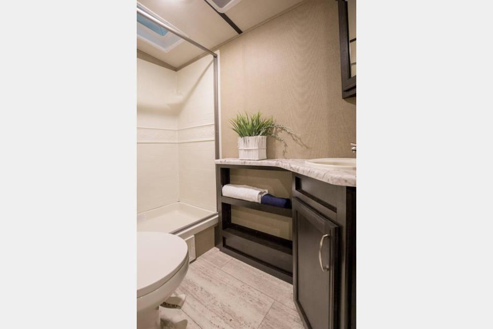2018 Grand Design Imagine 2400BH - Beautiful bunkhouse trailer.