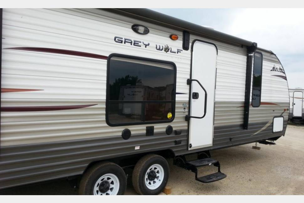 2015 Forest River Cherokee Grey Wolf 26RR Toy Hauler - Very clean and fun Forest River RV Cherokee Grey Wolf 26RR Toy Hauler Travel Trailer