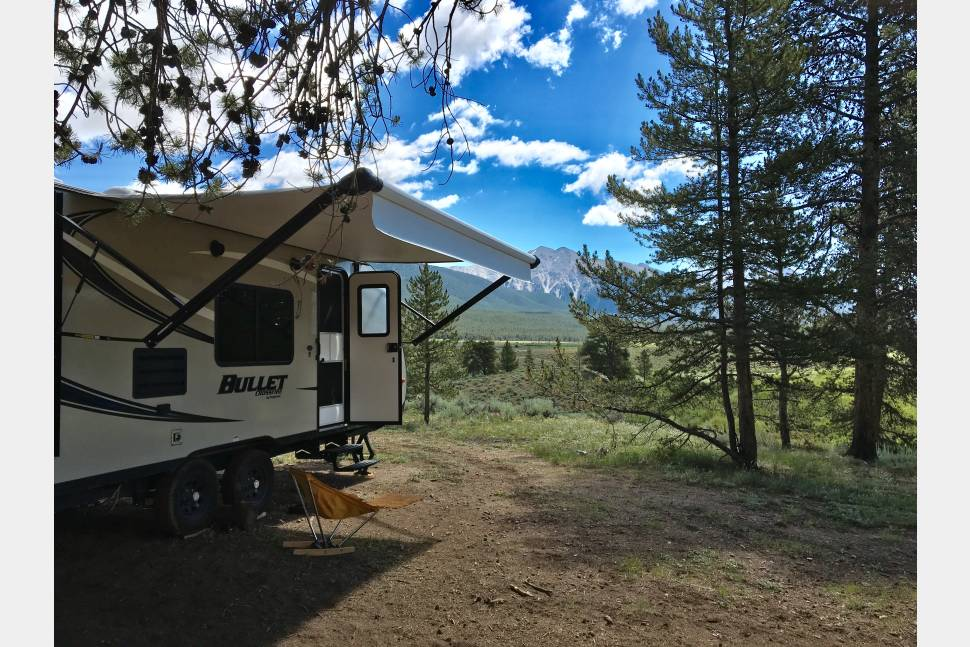2017 Keystone Bullet - Your dawning adventure: your home in the wilderness! 2017 Keystone BULLET, BRAND NEW!