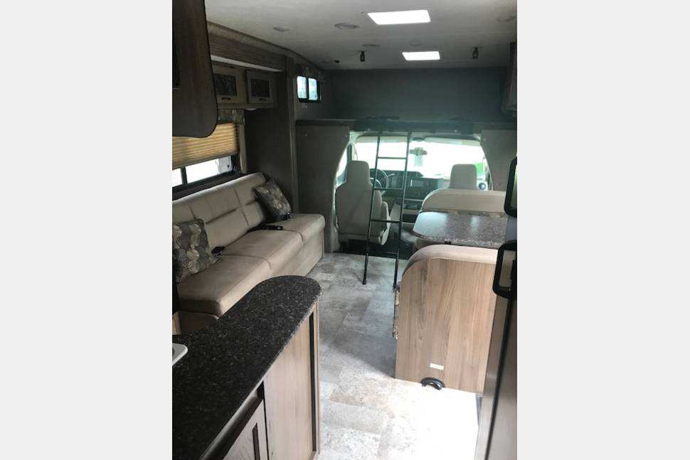 2018 Coachmen Freelander - New 2018 Class C with bunkhouse