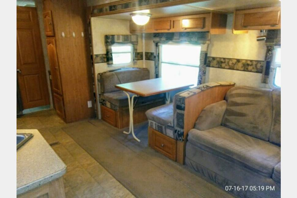 2007 Rockwood 8318SS Signature Ultra Lite - FINAL-LEE HERE, Chesapeake camping vacation rental