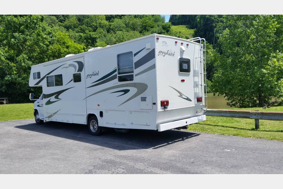 2006 Jayco Greyhawk, 2 Slide, 30' - Great Times Ahead!