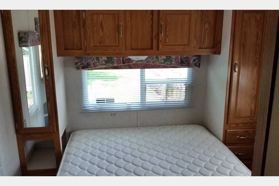 2002 Forest River T25 Wildwood With NW Package - Making Your Family Vacation Great
