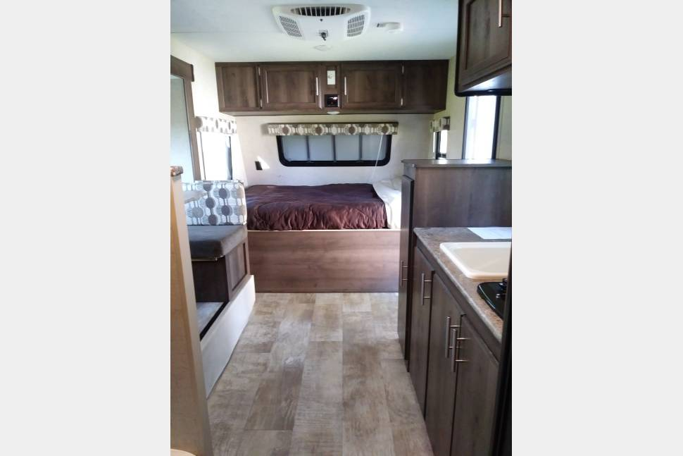 2017 K-Z Sportsmen Classic 181BH - 2017 K-Z Sportsmen Classic 181BH with slideout- Van and small SUV towable