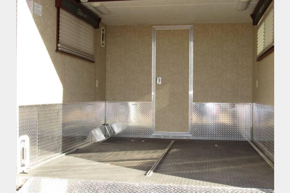 2008 Kz Escalade Sportster - Garage model toy hauler