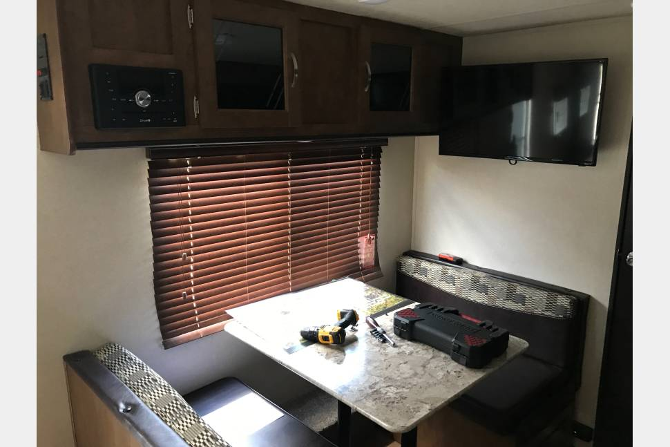 2018 FOREST RIVER WILDWOOD X-LITE 241QBXL - Brand new! Perfect travel trailer for the family! Even has the option for satellite TV! Will pickup, deliver, and setup!