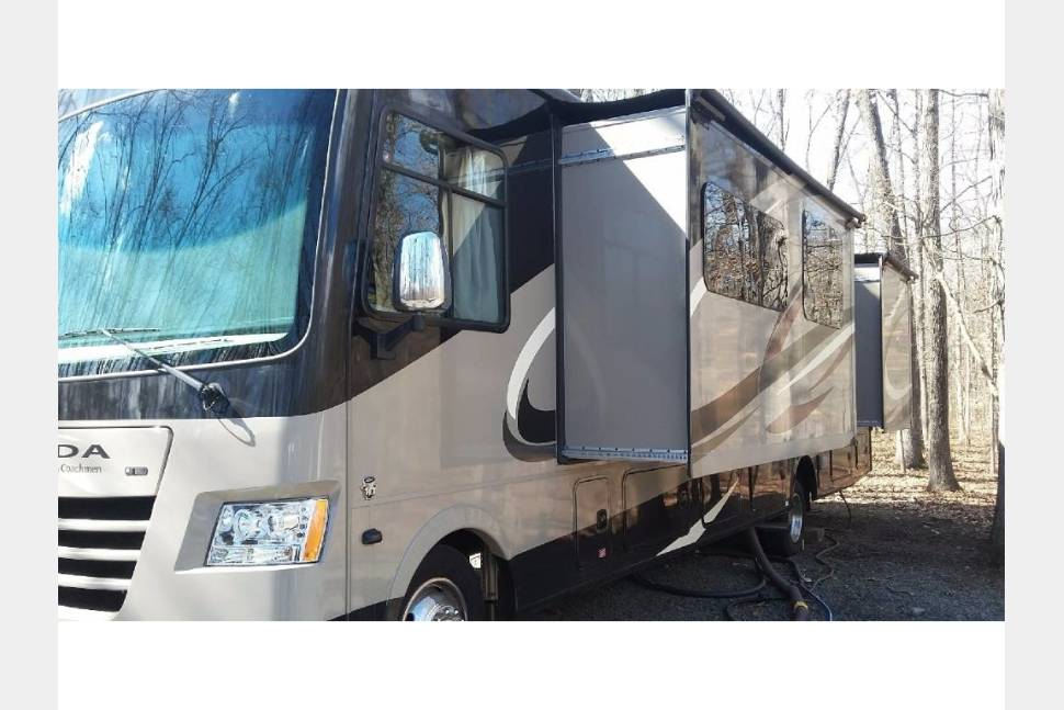 2016 Coachmen - Wine Country Tour in Luxury 35 Foot Class A RV -