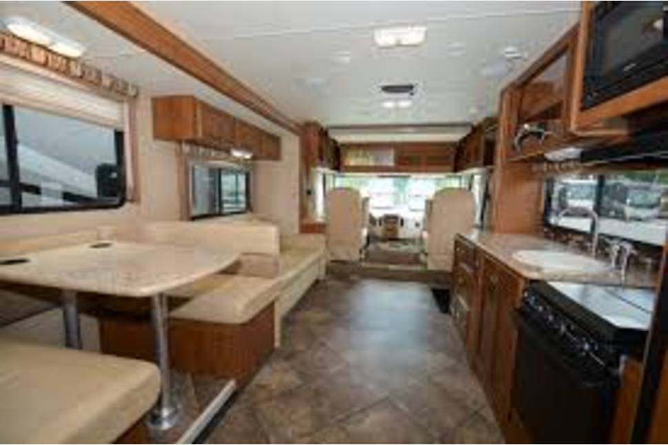 2014 ACE Thor - Beautiful 2014 RV,Excellent Condition