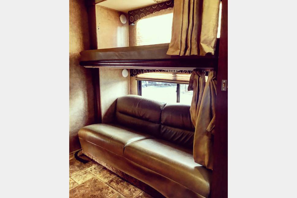 2014 Forest River Forester - 2014 Class C Very clean, great condition bunkhouse motorhome. Sleeps 10. Includes Kitchen Supplies