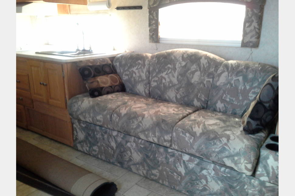 2005 Rockwood 2701ss - Wonderful travel trailer with plenty of room.