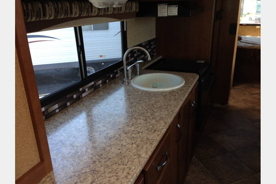 2014 Thor ACE - Great Family Getaway - 2014 Thor Ace, Class A Motor Home