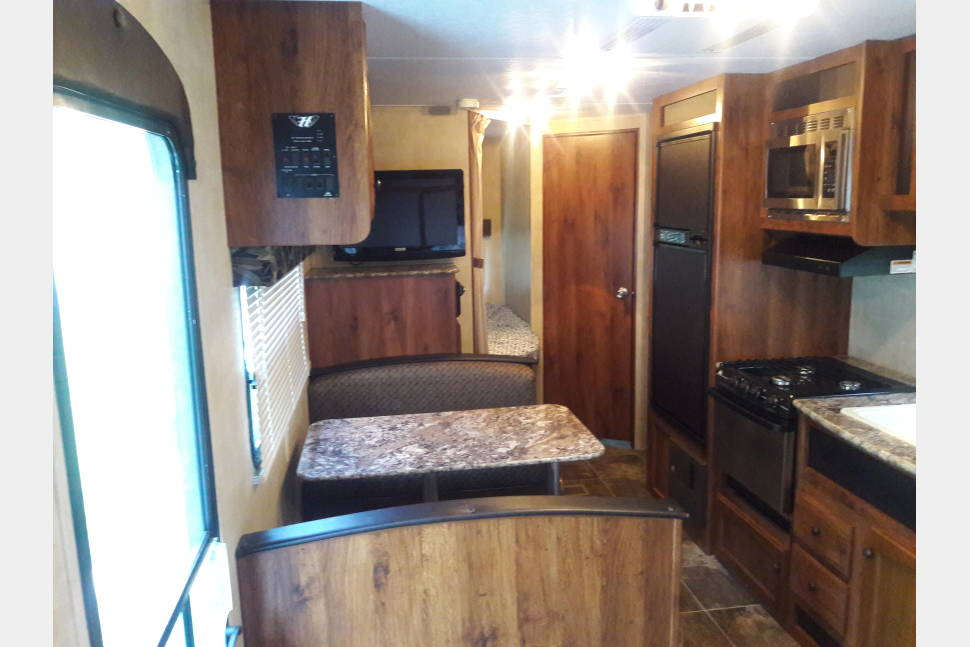 2014 Keystone Hornet Hideout 26bhs - Hornet hideout 26ft bunk house