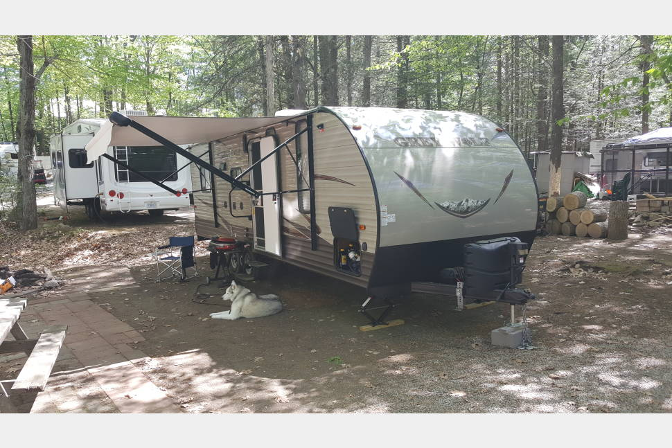 2016 Forest River Grey Wolf 22RR - Small Travel Trailer Toy Hauler
