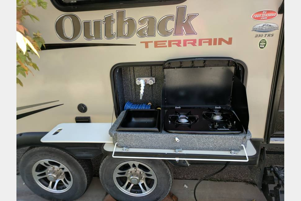 2016 Keystone Outback 230TRS - Toy Haulin' Family Fun