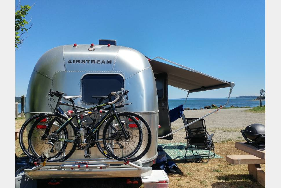 2010 Airstream Flying Cloud 20ft - Airstream Built for Two