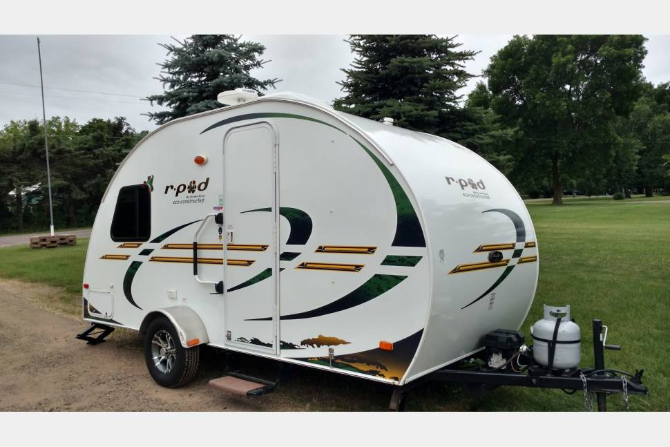 2011 Forest River Rpod 172 - Rpod light but loaded. Tows with most minivans!