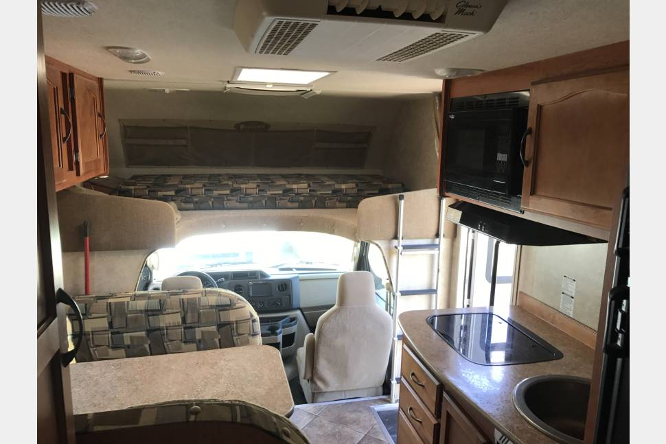 2013 Ford E - 350 / 5a - Best Rv´s in Town