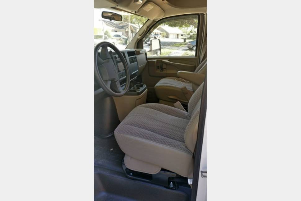 2005 Winnebago Aspect 26A Luxury Edition * Special $ 99 * 3 Person Max - Winnebago Aspect 26 H - top of the line - like new - $ 99 /day special with 3 people maximum