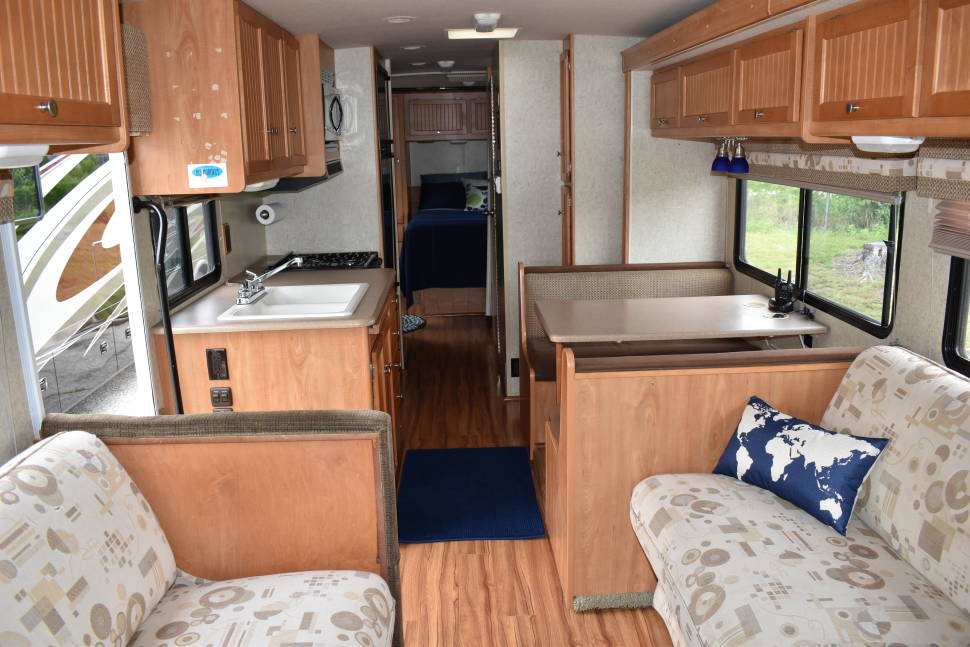 2007 Itasca Sunstar 33T - Take Home on Vacation!