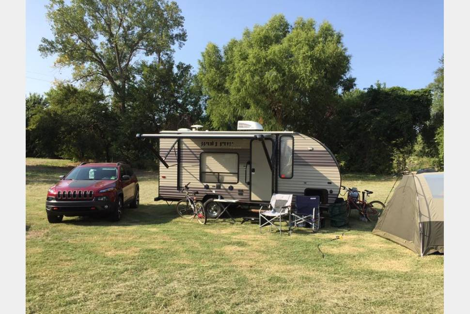 2018 Forest River Cherokee Wolfpup 16FQ - Great for a weekend getaway