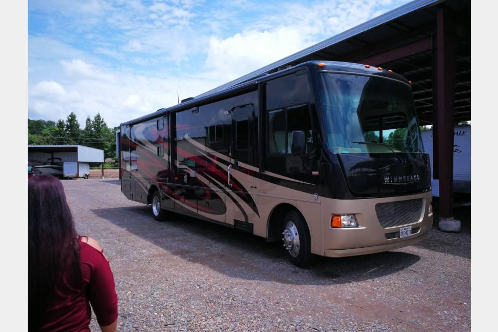 2015 Winnebago Vista - RiVals