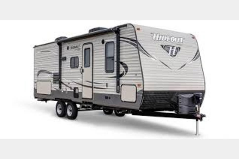 "2018 Hideout 31FBDS - ""Take Me Away, Camper"""