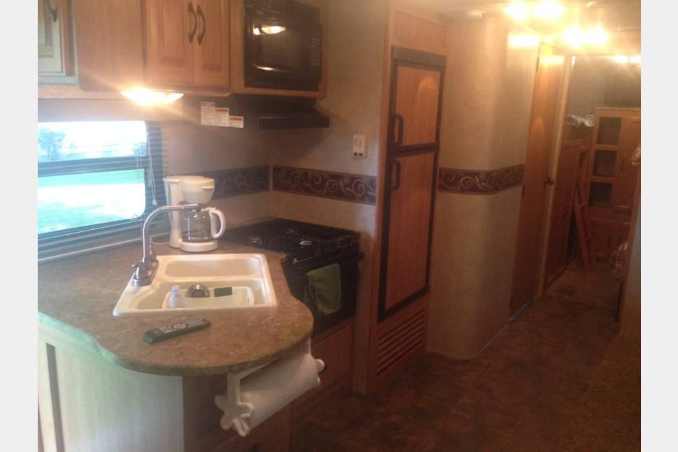 2011 Keystone Sprinter 299BHS - 2011 Keystone Sprinter Bunkhouse and outdoor kitchen