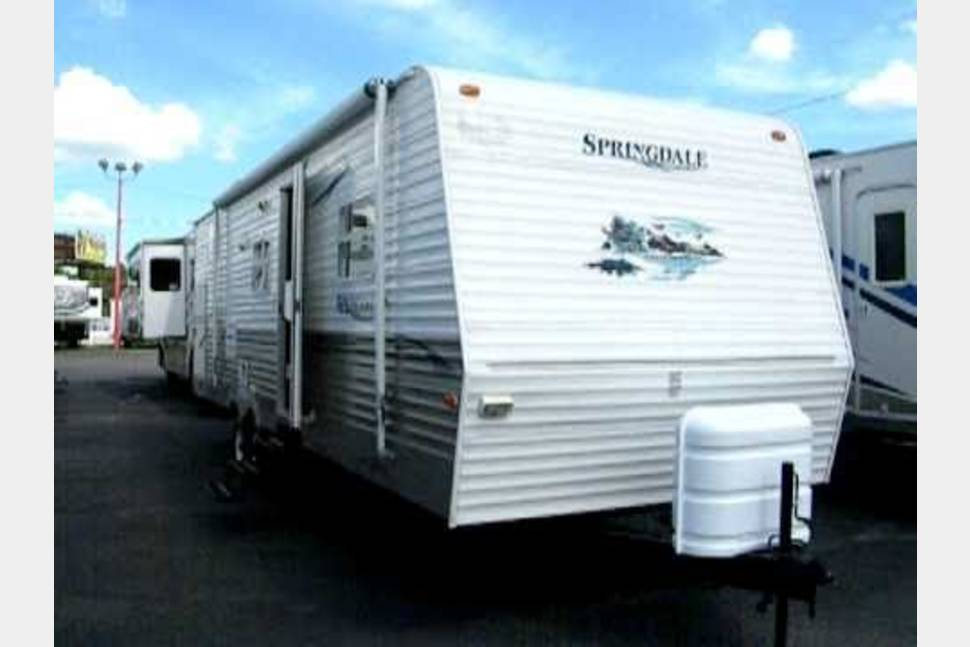 2006 Keystone Springdale - My RV is Perfect for Your Next Getaway!