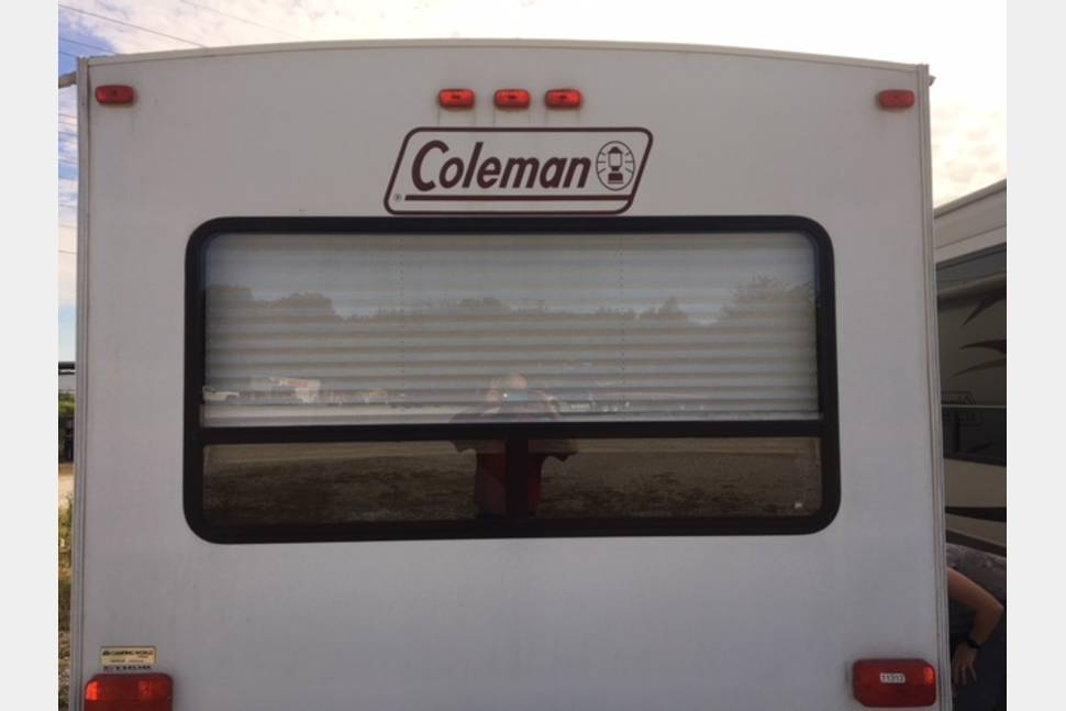 2012 Coleman CTU289RL - 30FT Coleman Ultra Lite travel Trailer