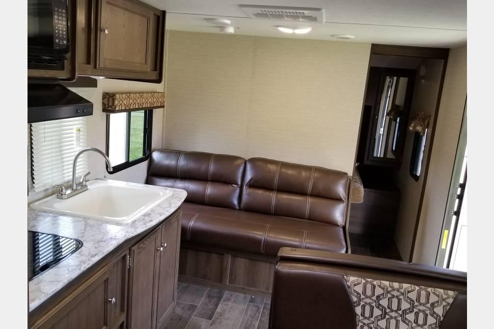2017 Keystone Bullet 2510bh - The Ultimate luxury getaway!