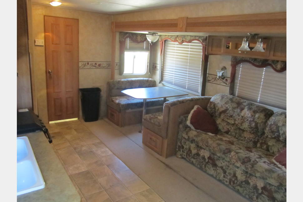 2007 Jayco Eagle 264 BHS - Jayco Eagle 264 BHS with hitch overall length is 30 foot