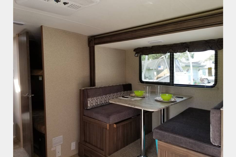 2018 Forest River APEX 193BHS - Hotels With Wheels