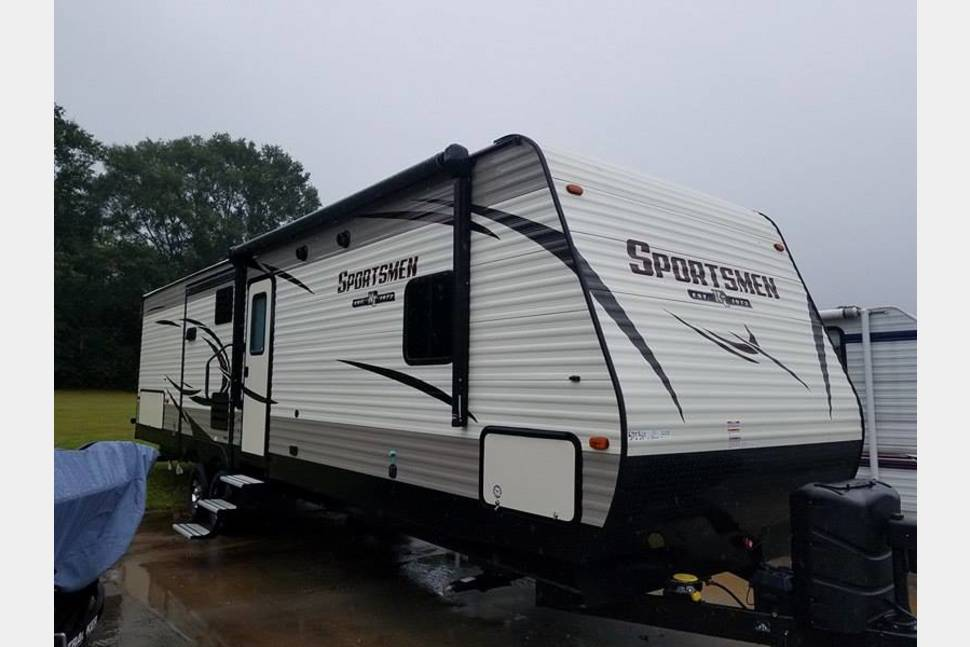 2018 KZ Sportsmen 333BHK - Camping is more fun. NOW Available!!