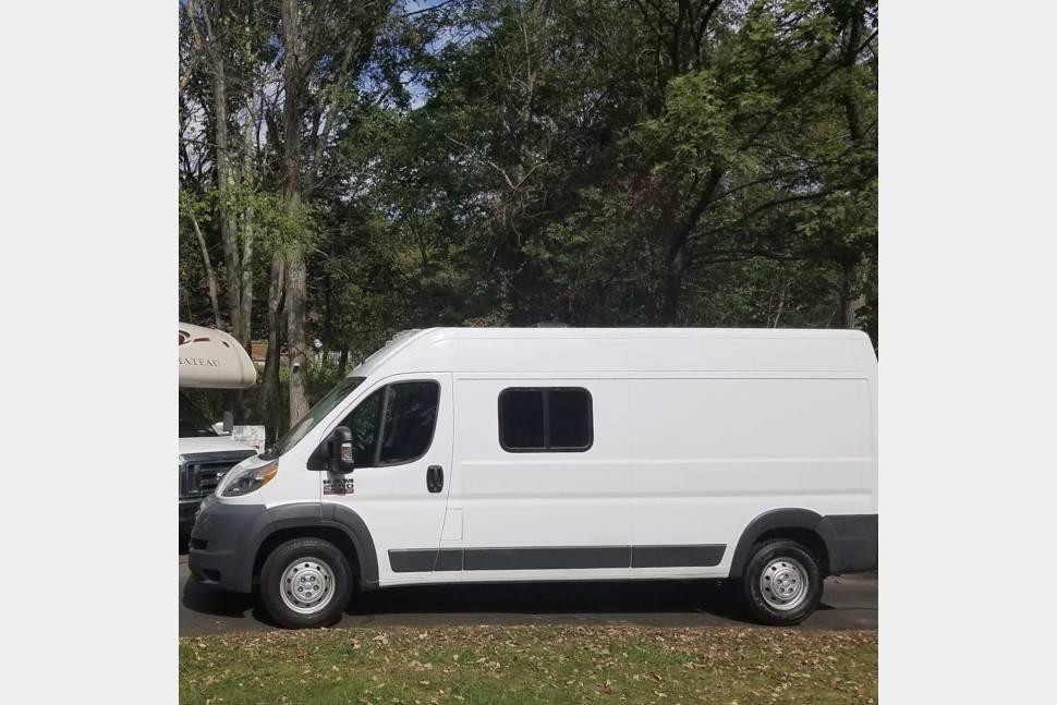 2016 RAM PROMASTER 2500 - 2016 Camper Van