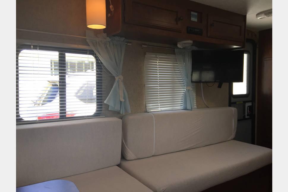 2015 KZ Sportsman 14RB - 14' Escape pod for adults!