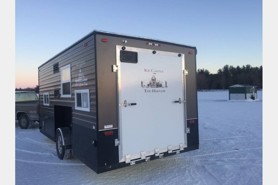 2017 Ice Castle 17RV - Ice Castle RV Edition - toy hauler!