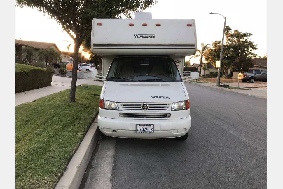 2002 VW Winnebago  Vista - Her name is Belle