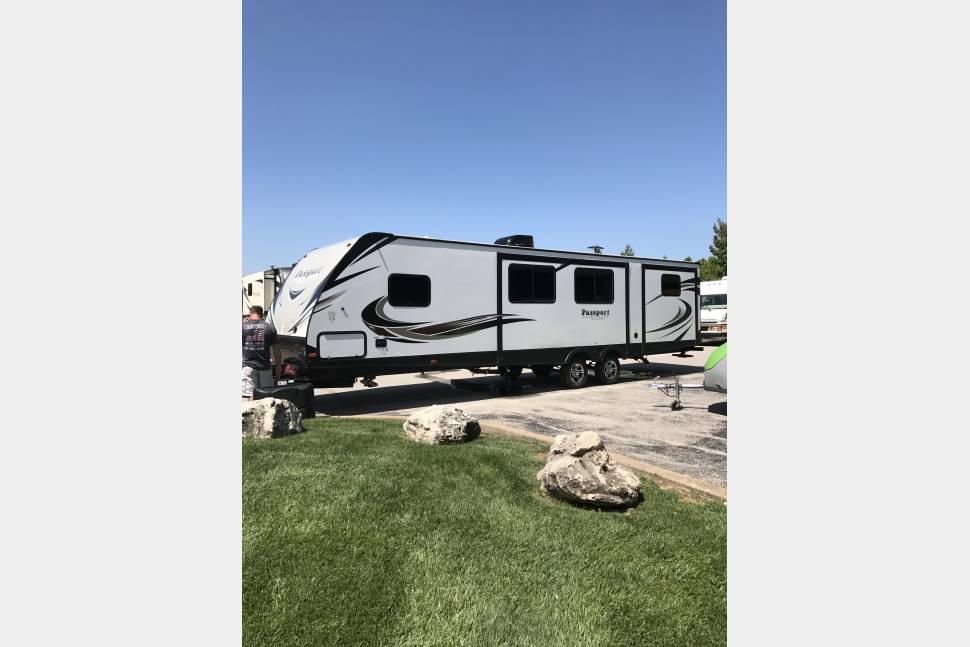 2018 Ultra Lite Passport 3350BH - Ultra Lite Passport 3350BH