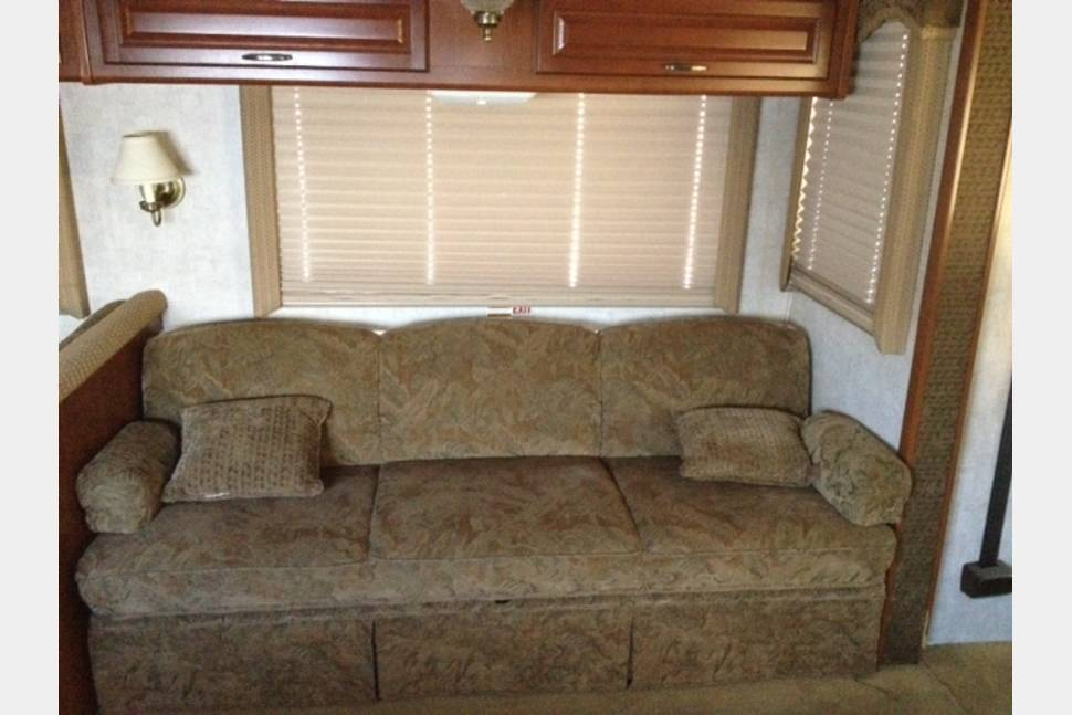 2005 Workhorse ~ Great Fuel Economy ~ Fleetwood Bounder - 32 Fleetwood Bounder Class A Motorhome