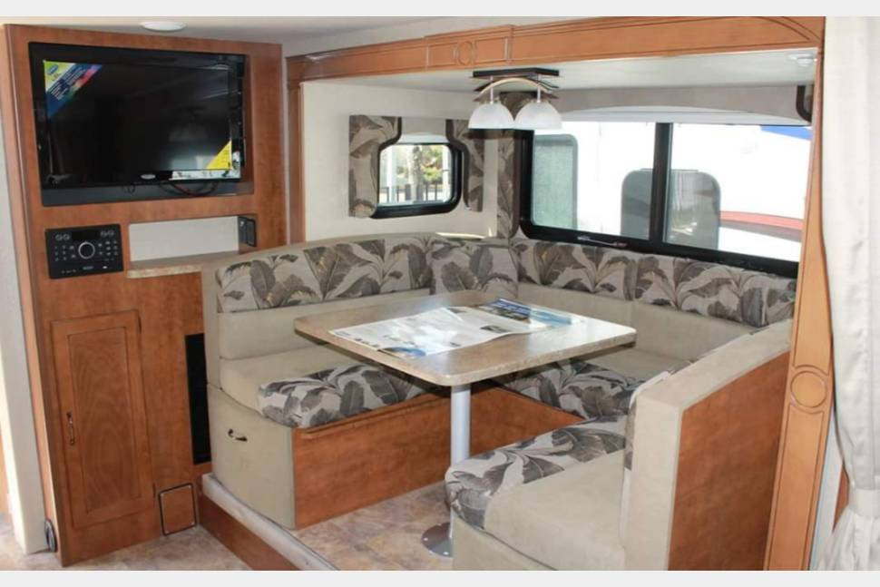 2017 Lance 2185S - 21' 2017 Lance Travel Trailer, fully equipped, pet and kids friendly. We deliver or you pick up San Diego CA