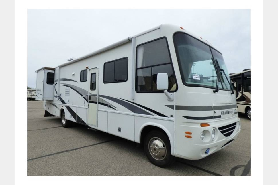 2005 Damon Challenger - Great Times with my RV!