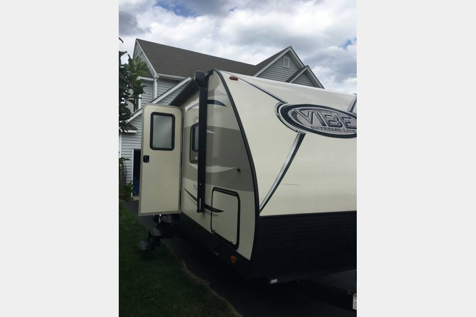 2017 Forest River Vibe - Glamping trailer