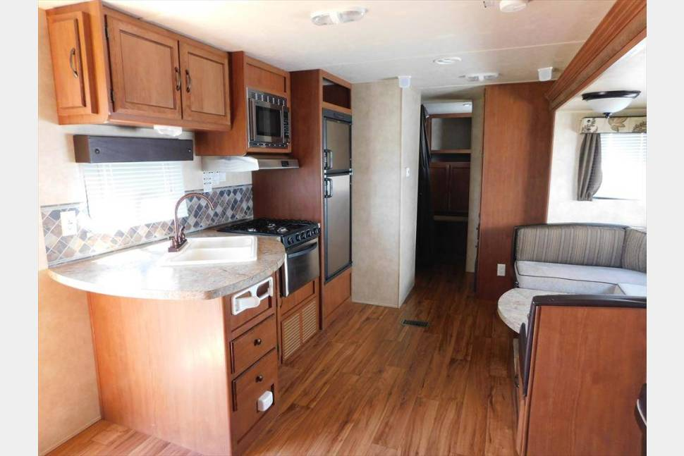 2014 Forest River Wildwood - Clean and Comfortable!