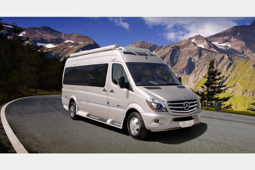 2017 Roadtrek Adventurous RS XL - 2017 Mercedes Roadtrek RS Adventurous Extended 24' Sprinter Luxury Coach