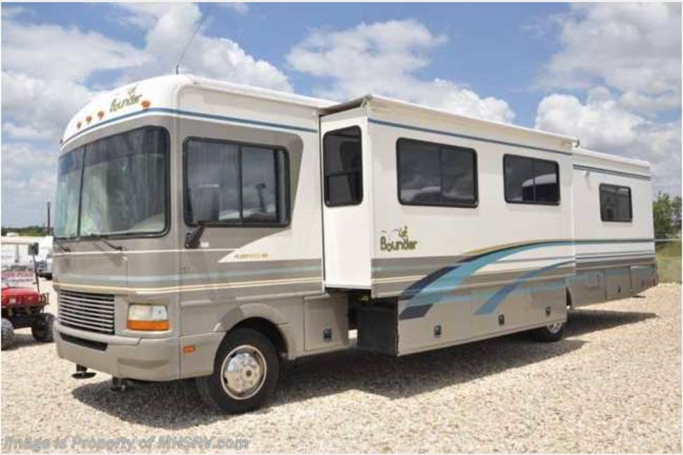 2000 Fleetwood Bounder - My RV is Perfect for Your Next Getaway!