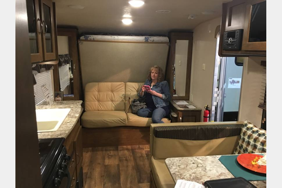 2017 Forest River Cruse Lite - Fun Rv!