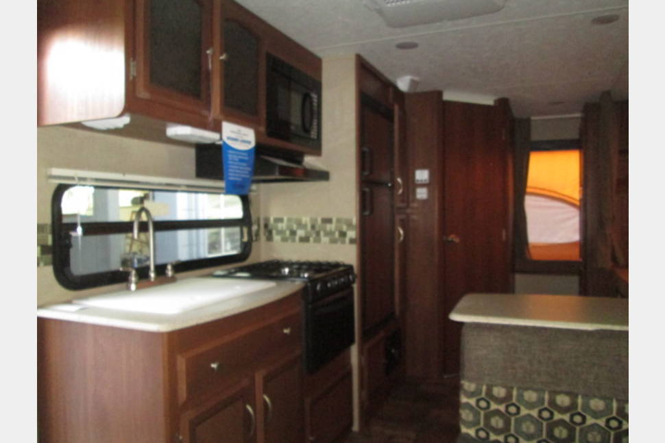 2015 Freedom Express 21TQX - The Easy Camper